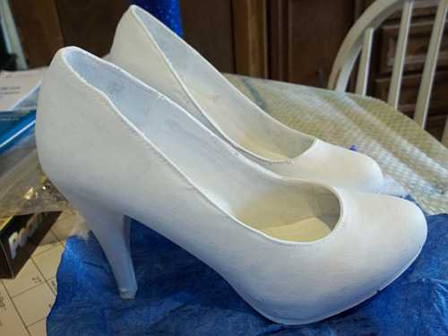 Art Therapy Shoes- Finally all primed... It took 3 coats to cover the spots well.