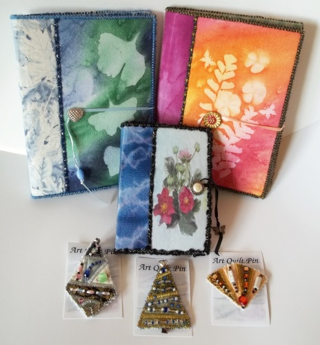 Photo Albums and Pins at Quilt Festival